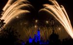 香港ディズニーランドリゾートの花火夜景